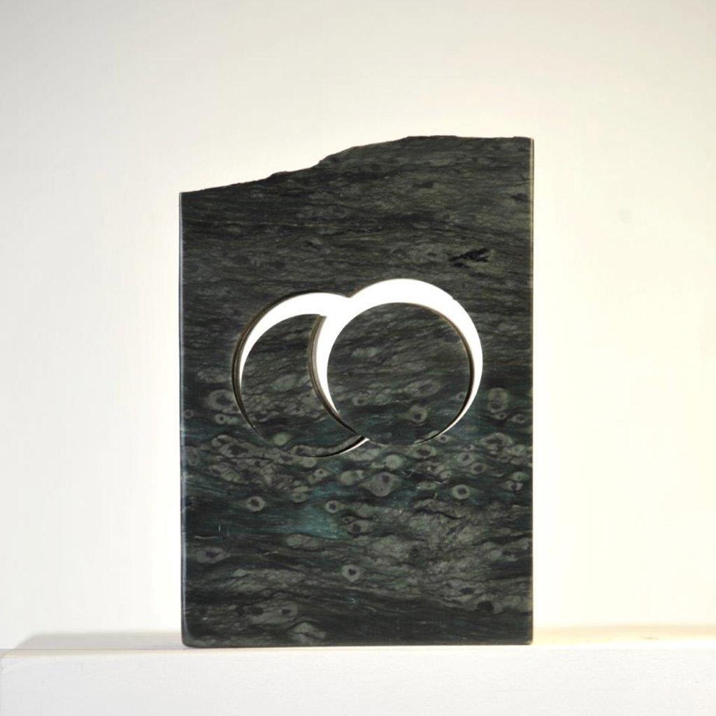 """""""Stein für die Begegnung"""", 2019, grüner Terpentin aus den Anden, 20 x 14 x 6,5 cm"""